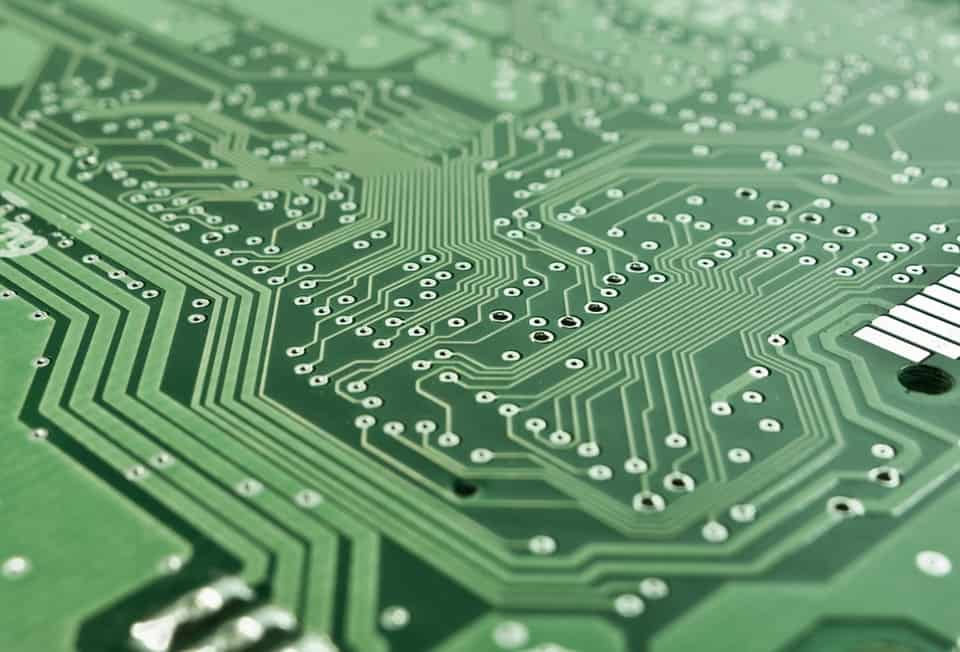 5 Financial Benefits of Repairing Electronics Instead of Buying New