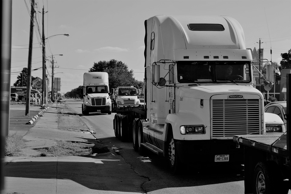 5 Fast Facts To Know About How Freight Factoring Works | INWF